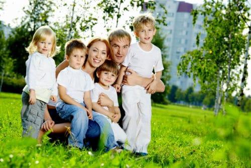 Программы для молодых семей в 2019 году в Ленинградской области, условия, документы