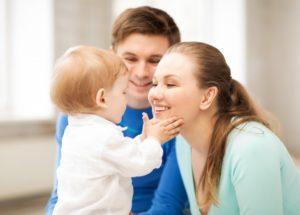 Единовременное пособие на усыновленного, приемного ребенка в 2019 году, какие платят, государственные льготы на детей