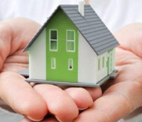 Как ребенку-сироте получить квартиру от государства, до какого возраста детдомовцам положено бесплатное жилье вне очереди, льготы после 18-23 лет