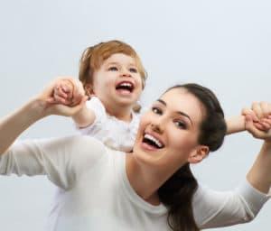 Льготы матери-одиночке, имеющей одного ребенка, двух детей при поступлении в детский сад : оформление ежемесячного пособия по уходу