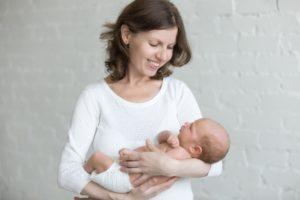 Какие льготы положены матерям при разводе на содержание ребенка