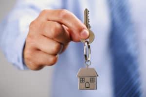 Ипотека для детей-сирот: можно ли взять льготный кредит на жилье, отказ