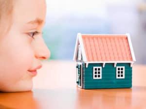 Положено ли ребенку-инвалиду жилье от государства: льготы на улучшение жилищных условий семьям с детьми
