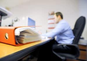 Льготы госслужащим России , Постановление 63 - О предоставлении субсидии государственным гражданским служащим, единовременная выплата, доплата к пенсии