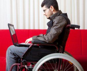 Какие положены ежемесячные выплаты инвалидам военнослужащим, денежная компенсация за заболевание, травмы полученные в период прохождения военной службы