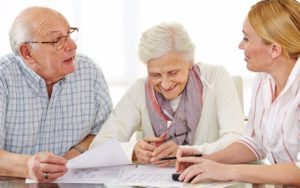 Какие социальные льготы положены неработающим пенсионерам по старости в России, законодательство