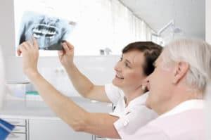 Льготное бесплатное протезирование зубов ветеранам труда, изготовление и ремонт зубных протезов, зубопротезирование, стоматология