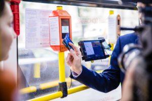 Как оформить бесплатный проезд инвалиду 2, 3 группы на ЖД билеты, льготный проездной сопровождающего ребенка-инвалида, есть ли скидка на общественный транспорт