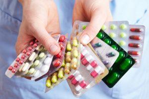Изображение - Льготные лекарства для инвалида medikamenty_i_chelovek_2_18180617-300x200