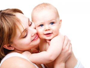 Льготы, выплаты и пособия матери-одиночке , что положено, сколько получает за первого ребенка ежемесячно