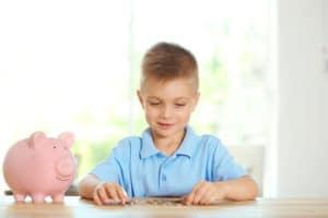 Как получить детскую социальную карту на ребенка, как узнать, проверить баланс, можно ли пополнить, как восстановить, документы для получения