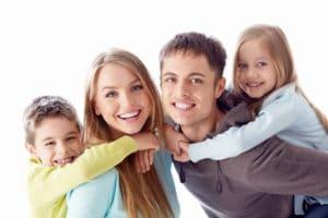 Льготы многодетным семьям в ХМАО, какие положены малоимущим, ежемесячное пособие, государственная социальная помощь, транспортный налог