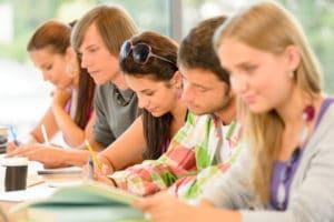 Социальная стипендия малоимущим студентам в 2019 году, необходимые документы, положена ли соц